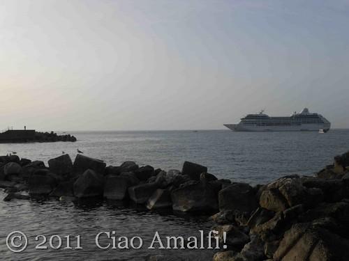 Oceania Cruise boat Insignia in Amalfi