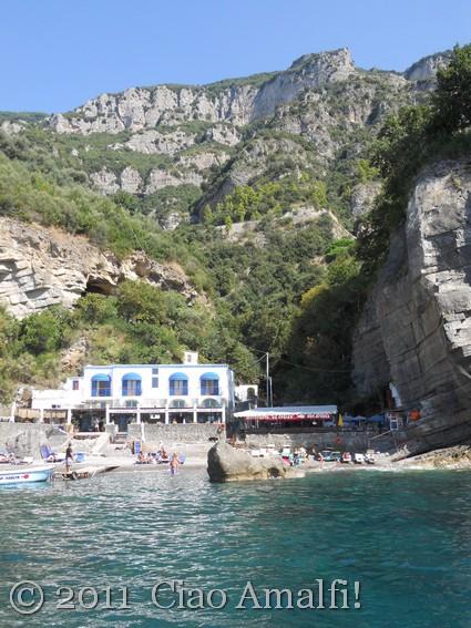 Restaurants at Laurito Beach Positano