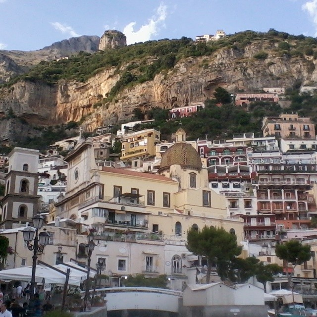 Evening light on #Positano. #amalficoast #italy