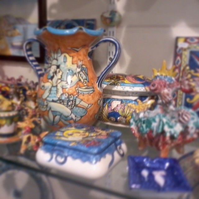 Oh the choices! If you're looking for ceramics in #Amalfi then you have to go to Milleunaceramica. #amalficoast #italy #ceramics