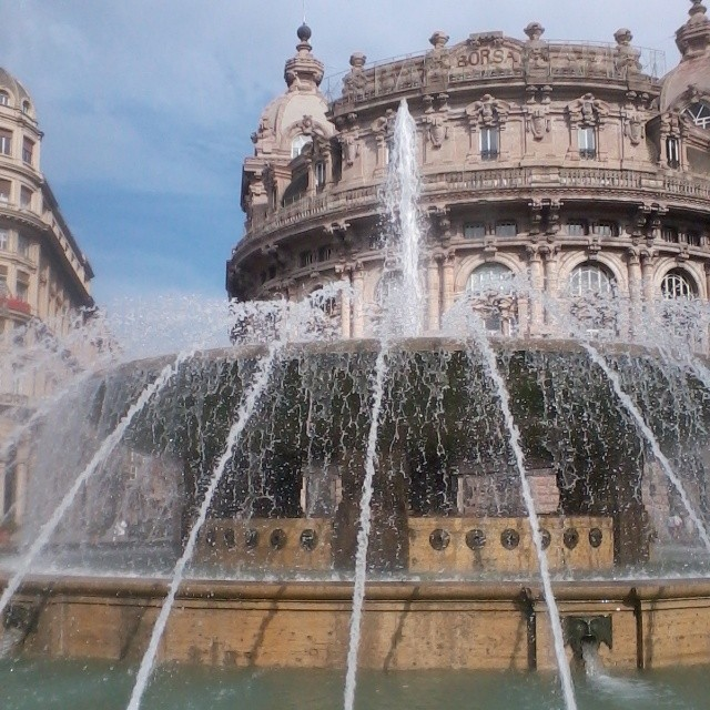 Today photographic magic happened at this fountain in #Genova with Di Mackey. I'm always going to love this fountain!