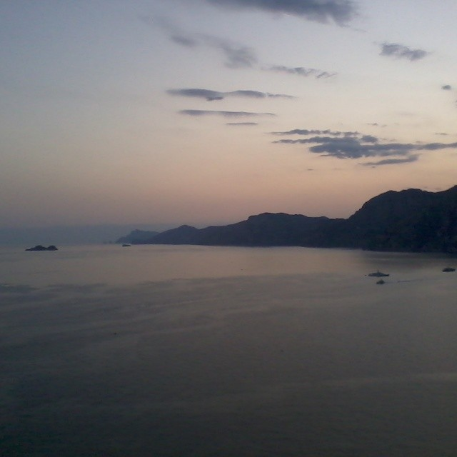Dinner with a breathtaking view. #praiano #amalficoast #italy