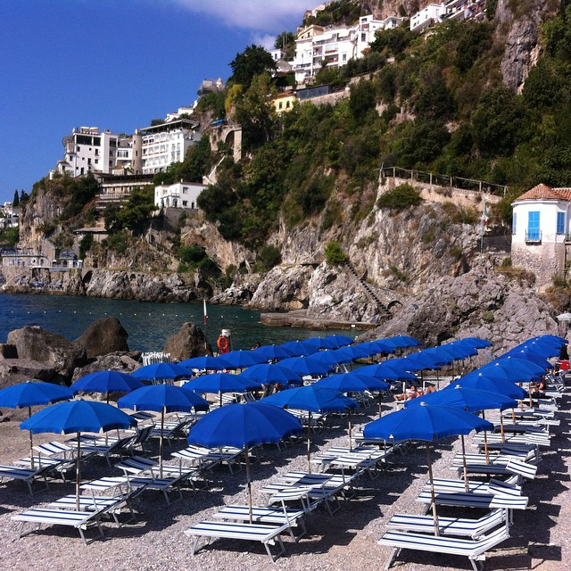 Another great beach in #Amalfi - Lido delle Sirene. #amalficoast #beach #summer #italy #ig_amalficoast