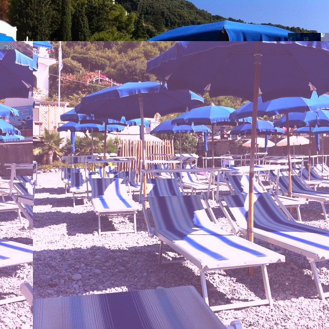 This is why it's so sweet to go to the beach early. #Amalfi #AmalfiCoast #beach #summer