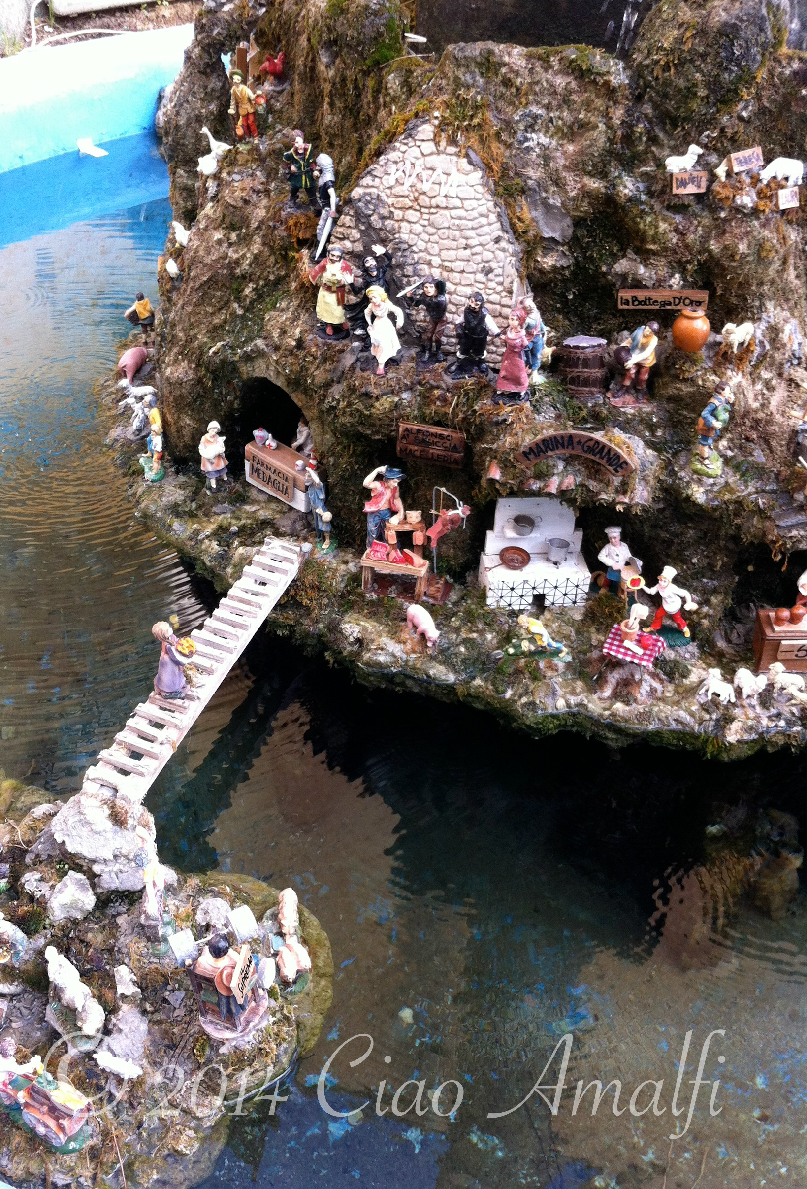 Amalfi Coast Travel Presepe Fountain