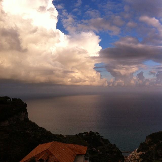 A peek of the blue sky on a stormy afternoon. #AmalfiCoast