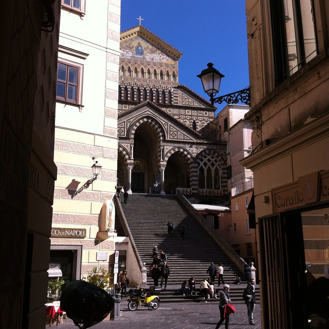 Peek a boo! The Duomo of Amalfi seen from a little street. Took this yesterday while my husband was in the bank. I like to wait outside ... for lovely view related reasons. #amalfi #winter #cathedral #amalficoast #piazzagram #italy #piazzaporn #piazzalife