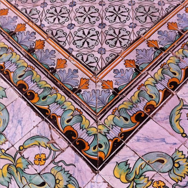 I kinda love this floor. Detail from the Duomo of Scala. #amalficoast #italy #fromwhereistand #ihavethisthingwithfloors
