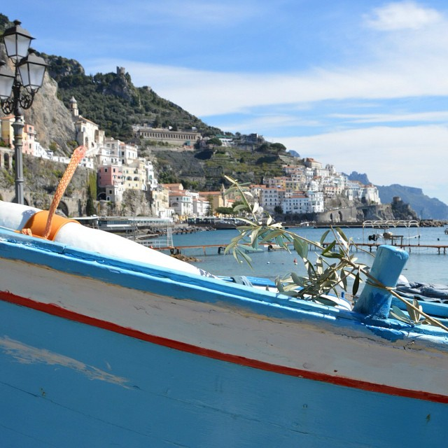 Buona domenica delle palme da Amalfi! I loved this olive branch tied to an old fishing boat. #amalfi #amalficoast