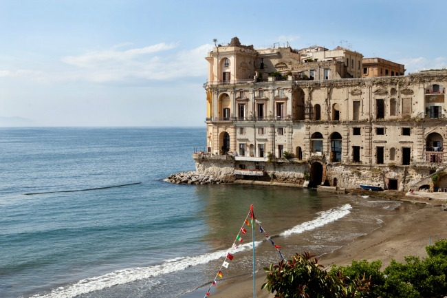 Naples Copyright Carla Coulson 0015