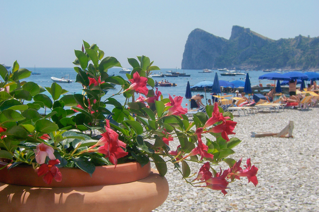 amalfi-coast-travel-beaches