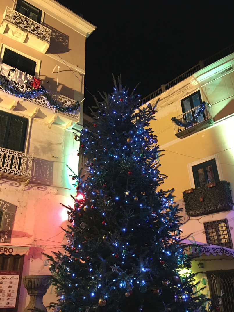 ciao-amalfi-atrani-christmas-lights-4