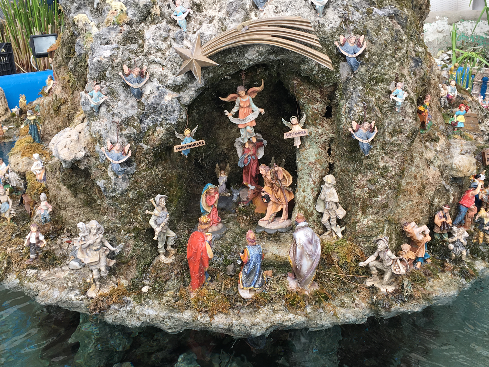 ciao-amalfi-christmas-nativity-fountain-2