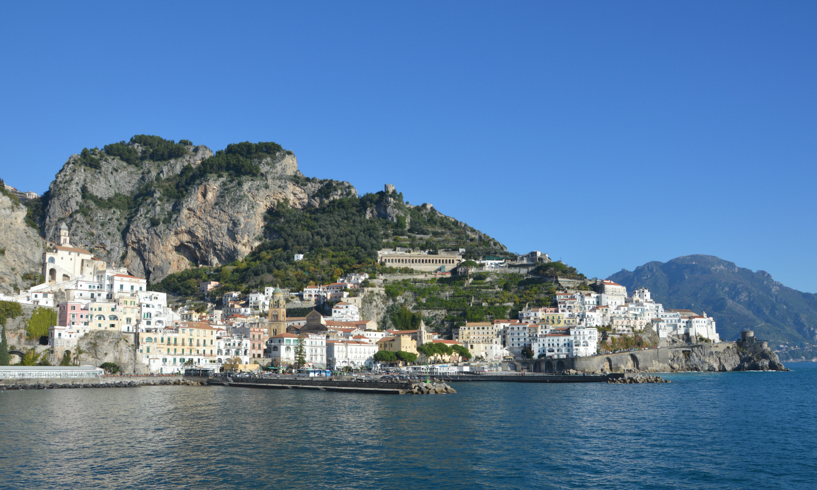 ciao-amalfi-home-italy-roundtable