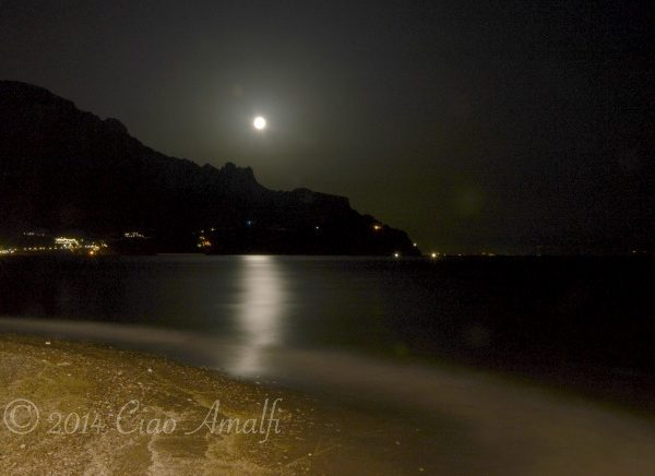 Foto Friday | Moonlight in Atrani